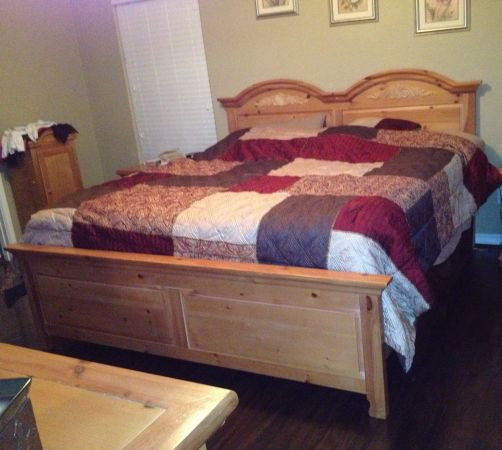 King Bed (Fontana by Broyhill) REDUCED - $200 (Portland)