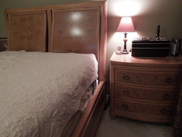 Bedroom Set - $1200 (Bedroom Furniture)