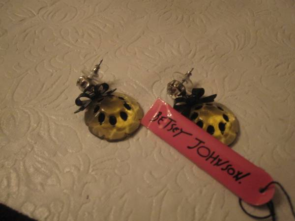AUTHENIC BETSYJOHNSTON  EARRINGS -   x0024 19  CORPUS CHRISTI