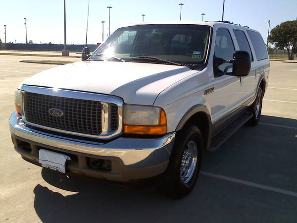 Trade --- 2000 Ford Excursion Limited --- 97 Chevrolet Suburban - $5500 (Victoria)