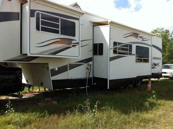 2006 Coachmen Adrenaline 400DS 41ft Toy Hauler - $28700 (South Texas)