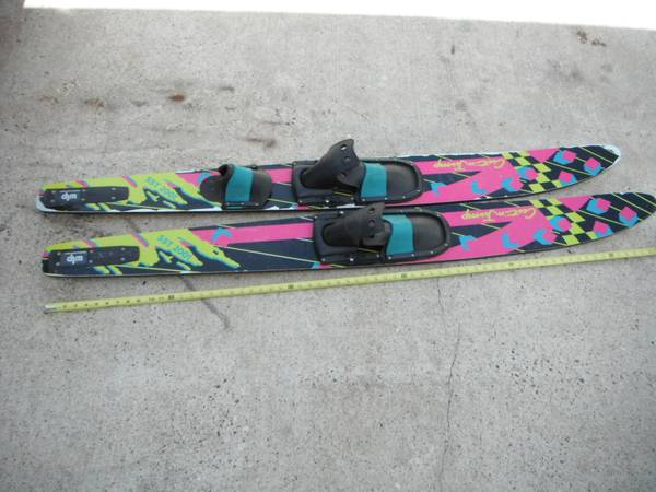 Cut n jump water skis - $25 (flour bluff, cc tx)