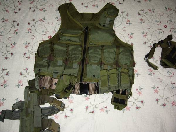 Eagle Ind. Tactical Vest lots of extras - $200 (Corpus christi)