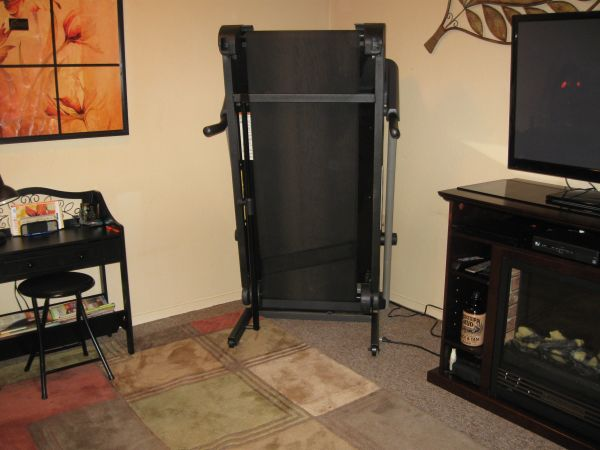 TREADMILL - GOLDS GYM CROSSWALK 570 - $550 (Rockport)