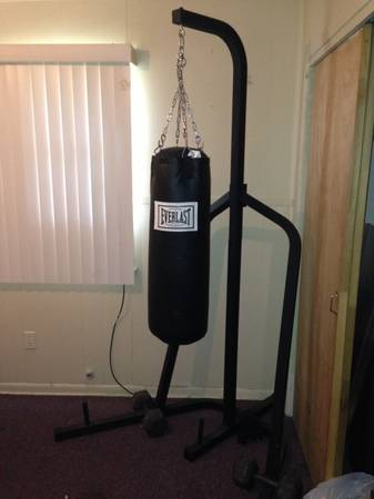 Queen Frame mattress .Everlast punching bag and speed bag combo - $250 (Corpus Christi )