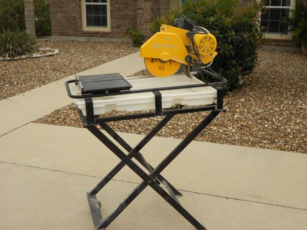 Professional 10 Wet Tile Saw - $275 (Island)