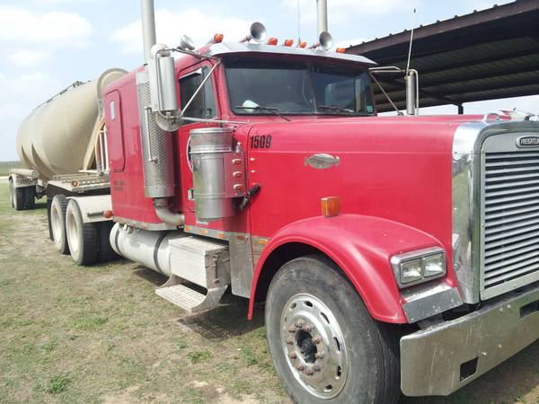 2000 Freightliner classic xl - $15500 (Alice)