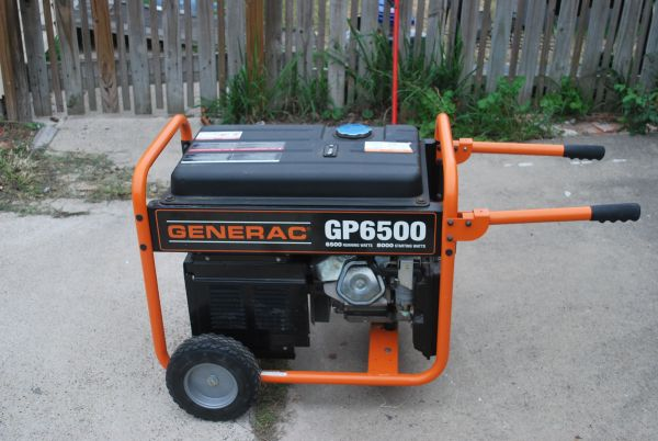 Generac 6500 Generator 40 hours use - $500 (Flour Bluff)