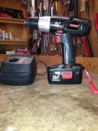 Sears 19.2 V Drill with battery and charger. - $25 (Rockport)
