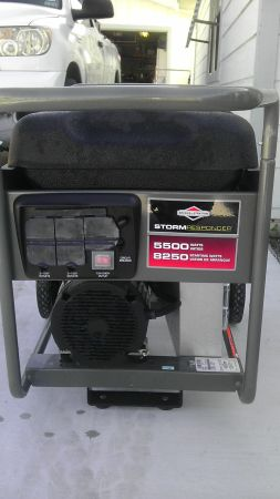 STORM RESPONDER 5500 WATT GENERATER - $500 (ROCKPORT)