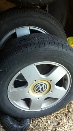 Vw stock golf, jetta aluminum rims with good tires - $200 (NAS)
