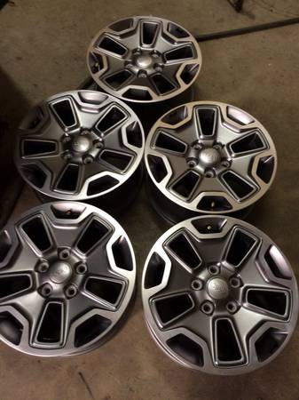 (FIVE) 17 x 7.5 2014 Jeep Wrangler Rubicon OEM factory wheels NEW - x0024675 (Victoria )