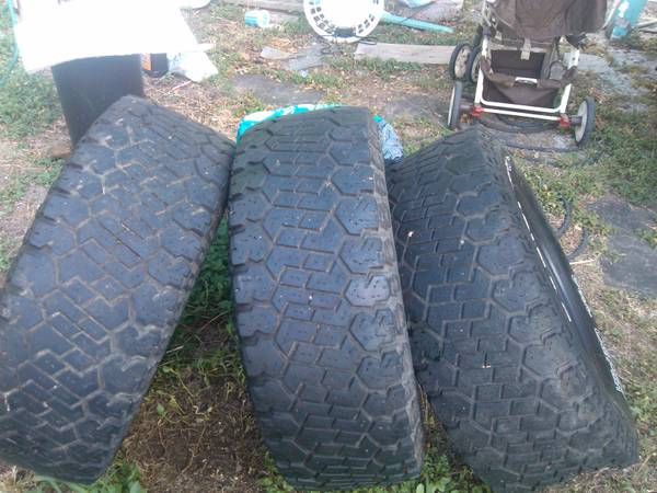 Mickey Thompson mud tires 33 by 12 and I have 17 inches - $150 (Corpus Christi Texas)