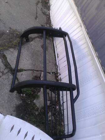 Brush Guard fits 03 tahoe - $75 (airline)