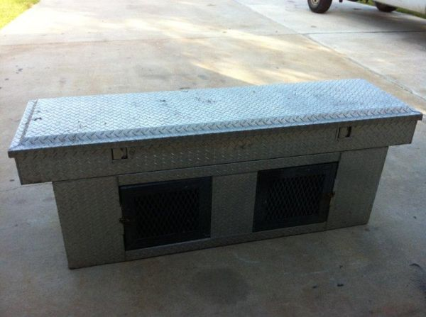 Aluminum tool box and dog kennel - $200 (Rockport)