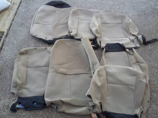 seat covers (toyota tunder) Brand new - $80 (cc)