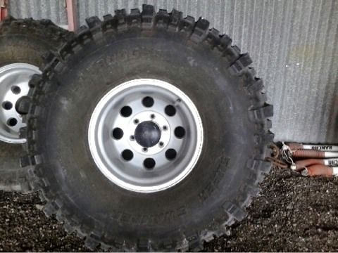 4x4 parts and mud tires and rims (Robstown)