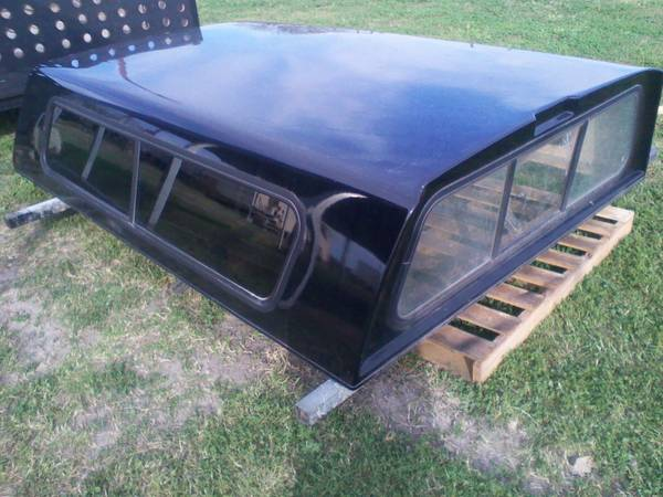 LONG BED CAMPER SHELL - $600 (BANQUETE TX)