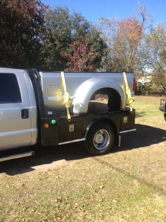 2012 Ford Super Duty F350 Dually 8 Bed - fits 1999-2012 - $3500 (Bay City, TX)