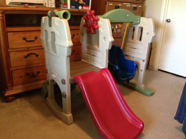 For sale used Little Tikes Endless Adventures Swing Along Castle Climb - $80 (Southside)