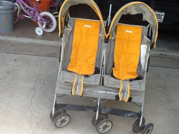 1 Jeep Wrangler Double Umbrella Stroller - $35 (Yorktown and Lipes)
