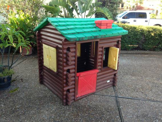 Little Tikes log cabin playhouse - $150 (The island)