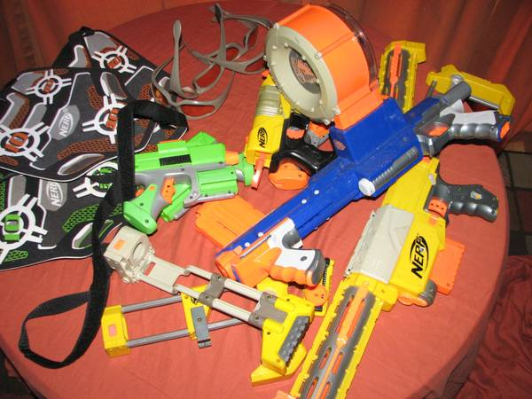 NERF GUNS AND MORE - $20 (portland)