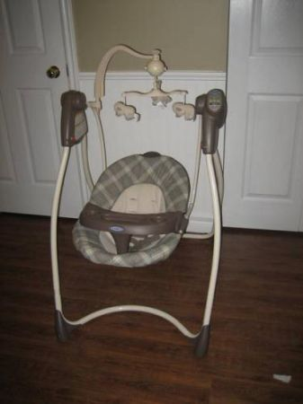 Buy graco baby swing get Evenflo car seat for free - $70 (Rodd field)