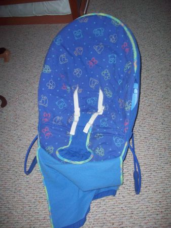 Tucker Sling and Reflux Wedge, Diaper Ch, Wipes Warmer, Bouncy Seat (Yorktown and Staples)