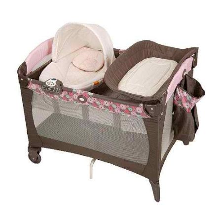 GRACO BABY GIRL PACK N PLAY WITH BASSINET AND NAPPER STATION - $75 (CC)