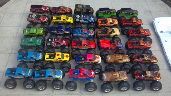 Monster Jam Trucks - $2 (RobstownCalallen)