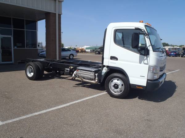 Delivery Truck Mitsubishi FUSO FE160 - x002438000 (Corpus Chrisit Freightliner)