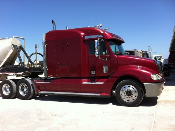 2005 Freightliner CL 120 with Blower - $29750 (Alice, TX)