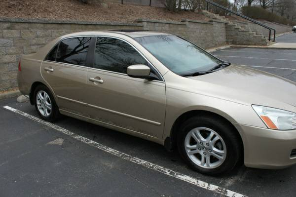 2006 Accord Gold 4cyl low miles - $1900