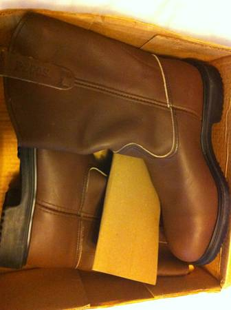 Red Wing work boots - $75 (Ray High school area)