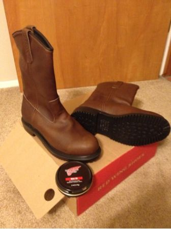 Boots-BRAND NEW Red wing steel toe boots  - $150 (AliceCorpus Christi )