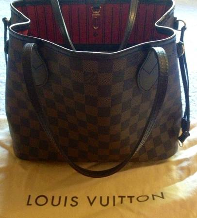 100AUTHENTIC Louis Vuitton Neverfull PM looks like new wdust bag  - $525 (Taking best offer 445-1004  by Golds Gym)
