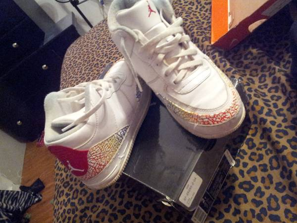 Kids jordans and nikes size 2-3.5. Very good condition (airline)