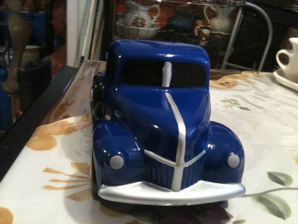 For Fathers Day Porcelain 1940 Ford Truck - $10 (Corpus Christi)