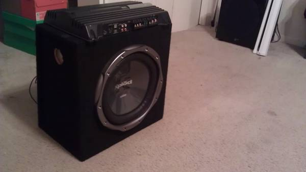 800 watt sony xplod and 12 sony xplod sub in box - $80 (corpus christi)