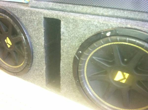 2 12 inch Kicker Competion subs in Box - $300 (Corpus christi)