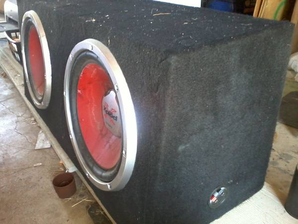 2 12 sony xplod speakers and 1000 watt  - $150 (Ingleside)