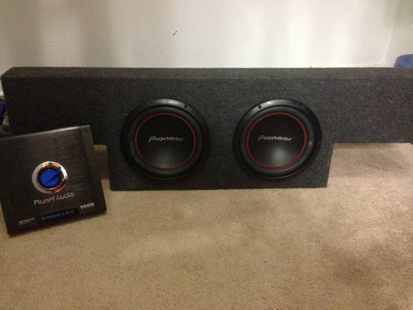 2-10 inch pioneer system for 2006 Chevy crew cab - $300 (Corpus Christi)