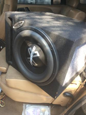 BRAND NEW 12 CROSSFIRE AUDIO TRIPLE STACKED 75 POUNDS WITH SUBBOX - x0024540 (CORPUS CHRISTI)