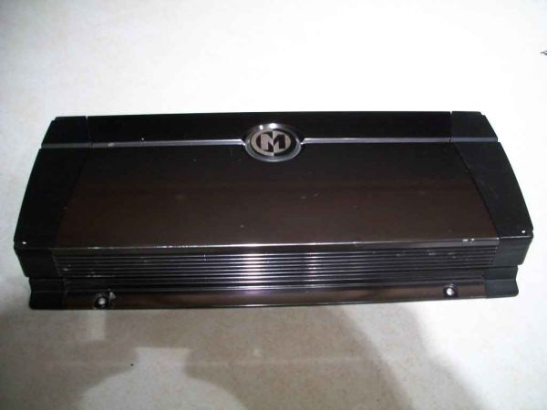 MEMPHIS AMP NEW MODEL 1000.1(for trade)if possible - $100 (ayers)