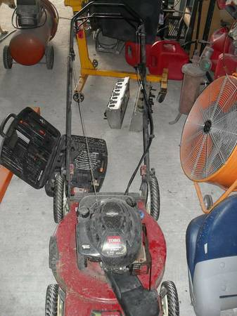 TORO self propelled push mower 6.5hp - $100 (Robstown)