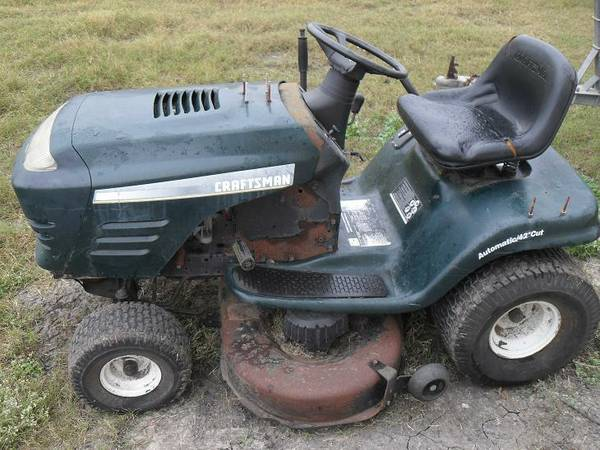Craftsman 20hp Riding Mower Parts or Fix - $125 (Robstown)