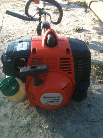 LIKE NEW COMMERCIAL WEED EATER AND OLDER RELIABLE SNAPPER RIDING MOWER - $500 (ODEM TX)