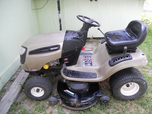 Craftsman DLS 3500 Riding Lawn Mower - $600 (Mathis, TX)