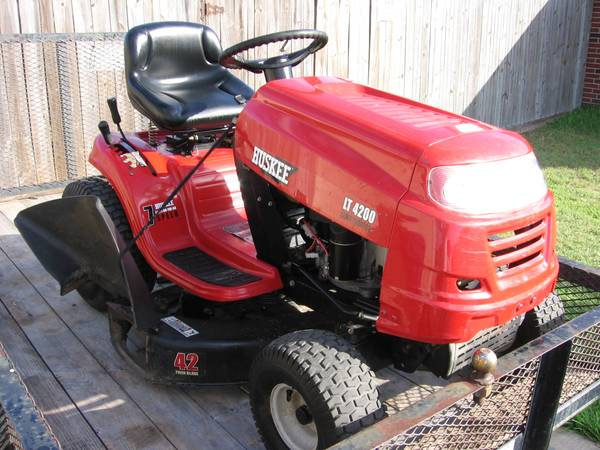 Reduced MTD Huskee LT4200, Riding Lawn Mower - $750 (Southside C.C.)